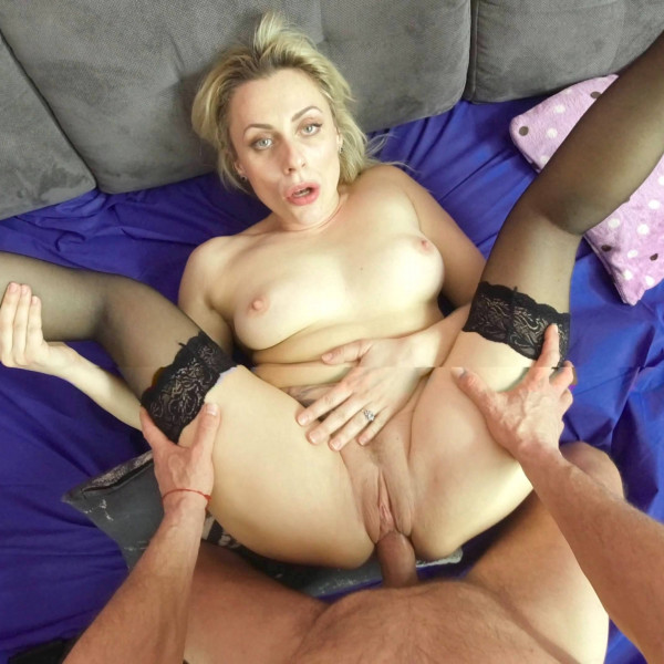 POV sex with nice milf - Photo 13 / 16