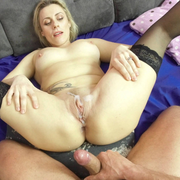 POV sex with nice milf - Photo 15 / 16