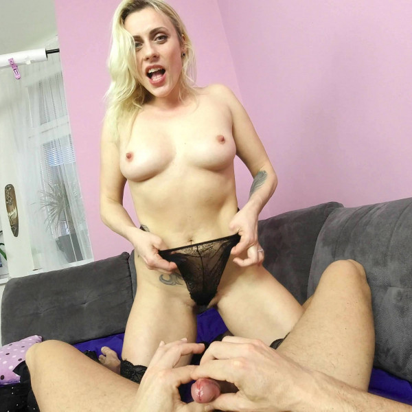 POV sex with nice milf - Photo 6 / 16